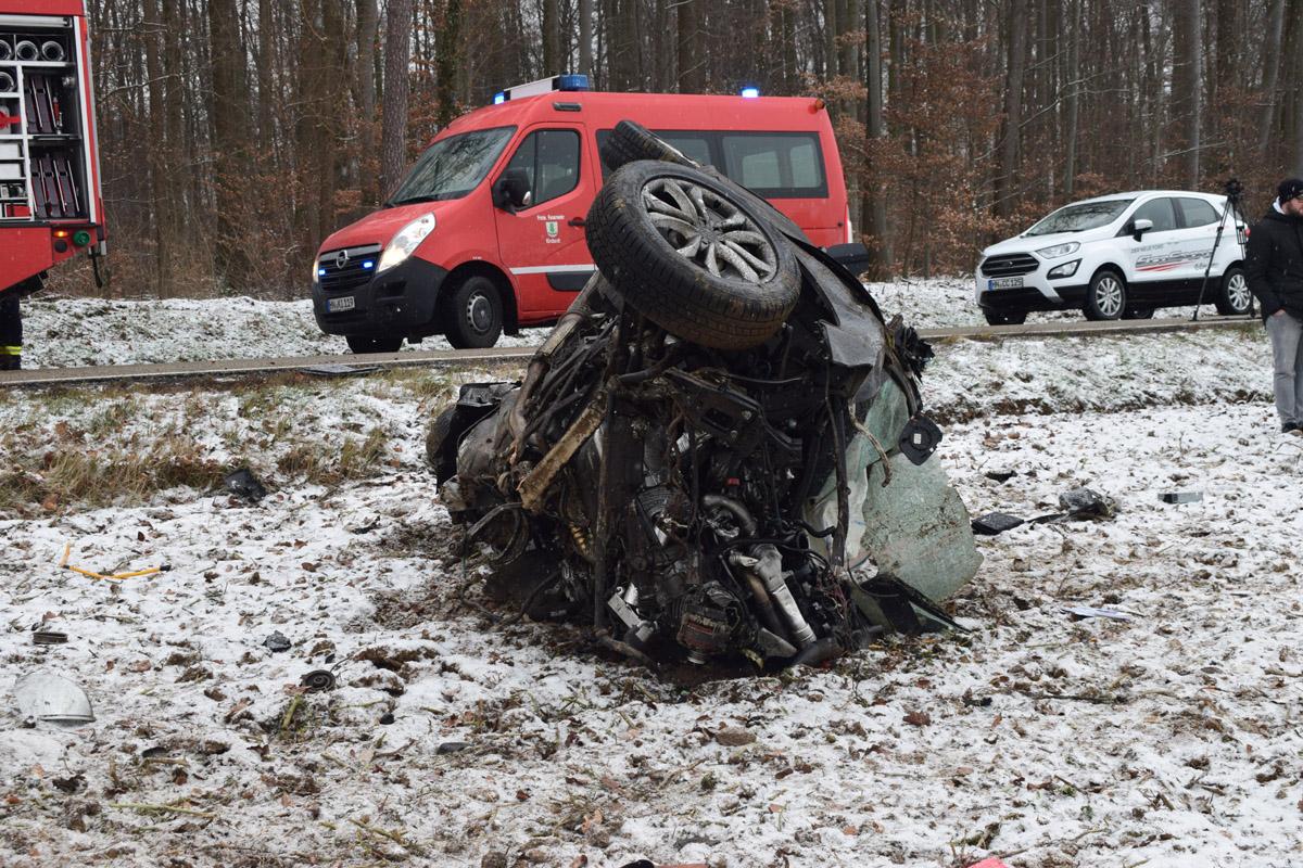 Sinsheim: Audi kracht frontal in Lastwagen - Ein Toter (mit Fotostrecke)
