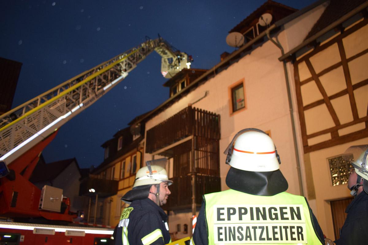 Eppingen: Dachstockbrand fordert Verletzte (mit Fotostrecke)