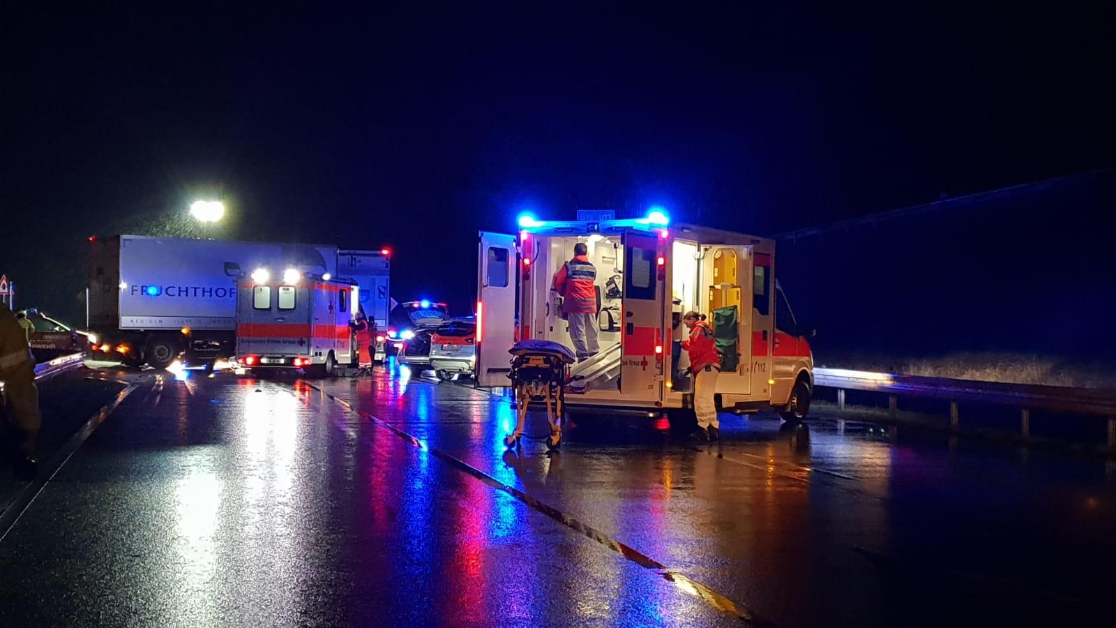 Neulußheim: L560 nach schwerem Motorradunfall gesperrt (mit Fotostrecke)