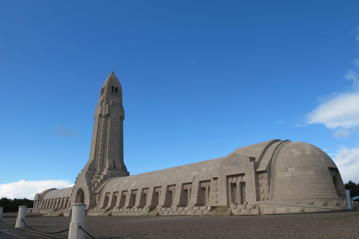 Fahrten nach Verdun und Andilly mit dem Volksbund