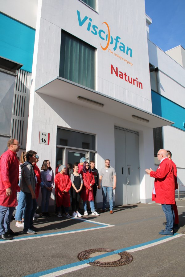 Praktische Berufserkundung: Schülerinnen und Schüler der Friedrich-Realschule verbrachten einen Tag bei der Firma Naturin