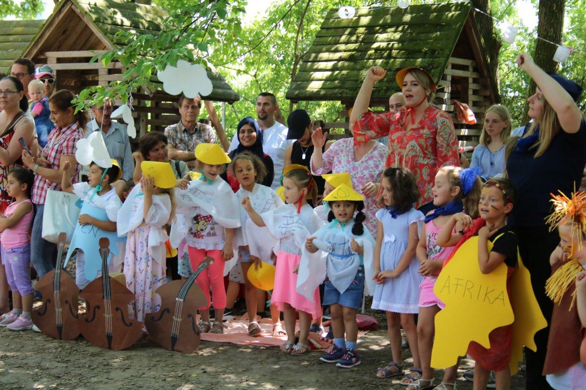 Weinheim: KiTa Kuhweid feierte Sommerfest mit einer Reise zu allen Kontinenten