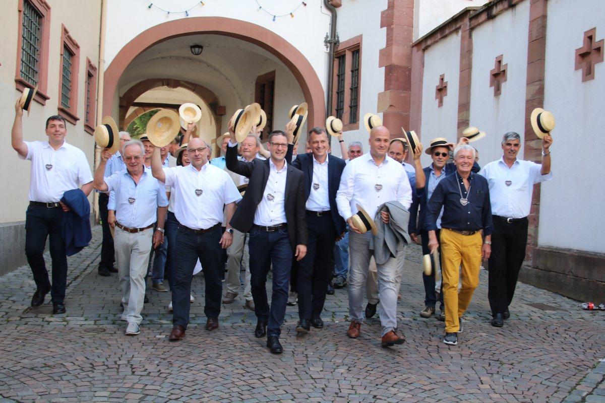 Weinheim feierte eine fröhliche Kerwe