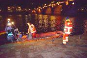 Heidelberg: Feuerwehreinsatz bei der alten Brücke - Person im Wasser gemeldet!