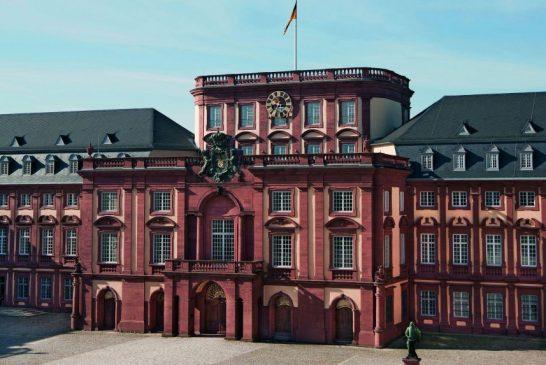 26_Schloss-Mannheim_Aussen_ssg-pressebild