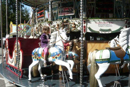 """Karussell und Schiffschaukel werden zur coronagerechten kleinen Schaustellerei ab dem """"Kerwe-Wochenende"""" über die großen Ferien"""