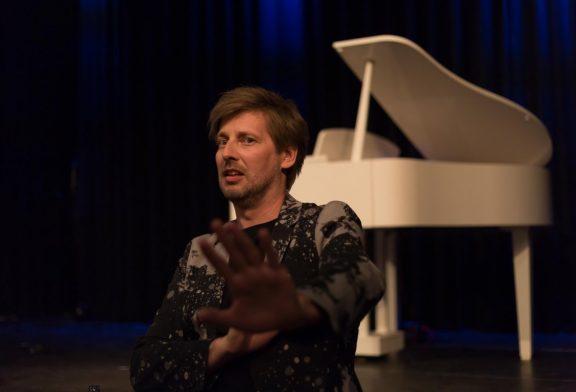 Weinheimer Kulturbüro bietet im Oktober und November Musikkabarett, ein Klavierkonzert mit einer weltberühmten Weinheimerin und ein komisches Schauspiel