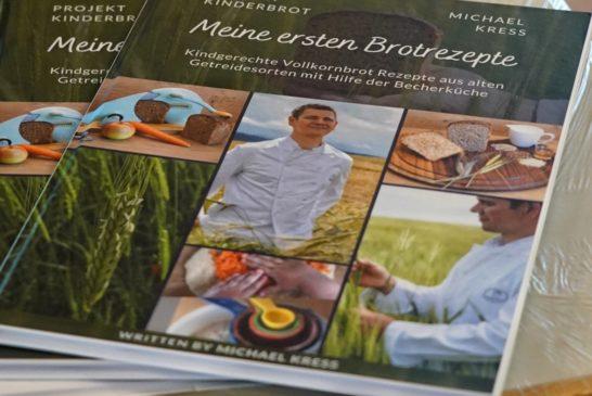 """Der Weinheimer Bäckermeister Michael Kress hat eine Mission: Kinder sollen wieder Brot backen lernen - Ein Sauerteig als """"Haustier"""""""