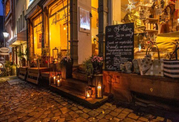 Weinheimer Marktplatz leuchtet