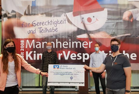 Am 30. November startet die KinderVesperkirche. Bereits Ende Oktober zeigte der SV Waldhof seine Solidarität mit dieser Aktion für benachteiligte Kinder und Jugendliche
