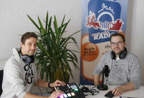 Weinheimer Radiosender für Senioren ist im Dezember auf zwei UKW-Frequenzen zu hören – Ermöglicht durch die alwine-Stiftung