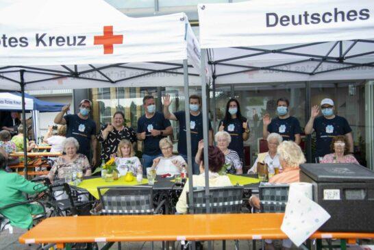 Mitarbeitende von Amazon Logistics aus der Niederlassung Friedrichsfeld begleiteten die Veranstaltung im Rahmen eines Freiwilligentages