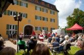"""Aufführung des Straßentheaterprojekts """"Hierbleiben… Spuren nach Grafeneck"""" in Weinheim am Dienstag, 12. Oktober 2021 um 11 Uhr auf dem Vorderen Schlosshof"""