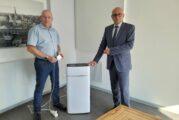 Bestellung von Luftfiltern und CO2-Sensoren: Stadt Schwetzingen schafft zu Beginn des neuen Schuljahres mehr Sicherheit