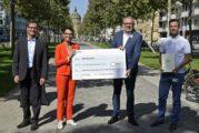 Radweg Augustaanlage Mannheim: Baustart und Übergabe eines Förderbescheids