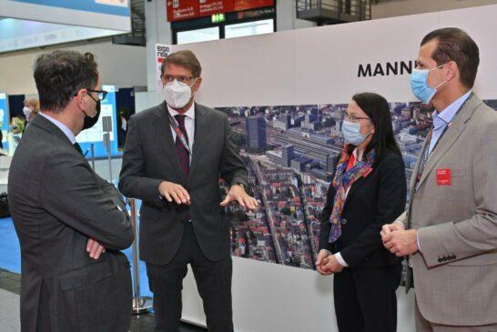 Expo Real 2021_BGM Grötsch, Ram und Dr. Bourdon mit Ministerialdirektor Kleiner_MRN